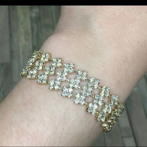 Jewelry - Beautiful crystal bracelet